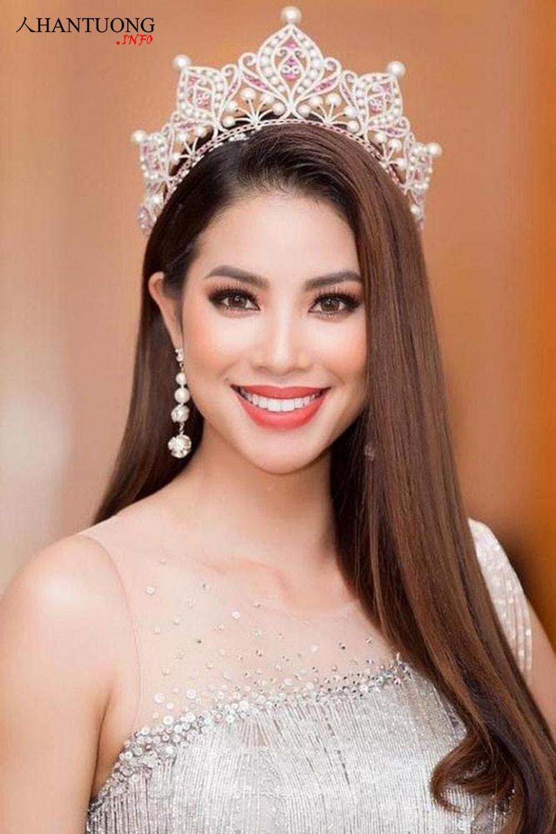 Phạm Hương – Hoa hậu Hoàn vũ Việt Nam có tướng miệng rộng sang, cân đối, sự nghiệp tốt
